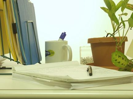 How you arrange your desk at your desk